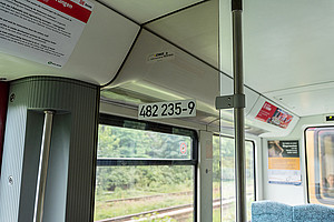 Vehicle number in the door area of the wagon